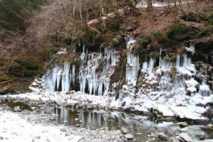 秩父市大滝の三十槌の氷柱